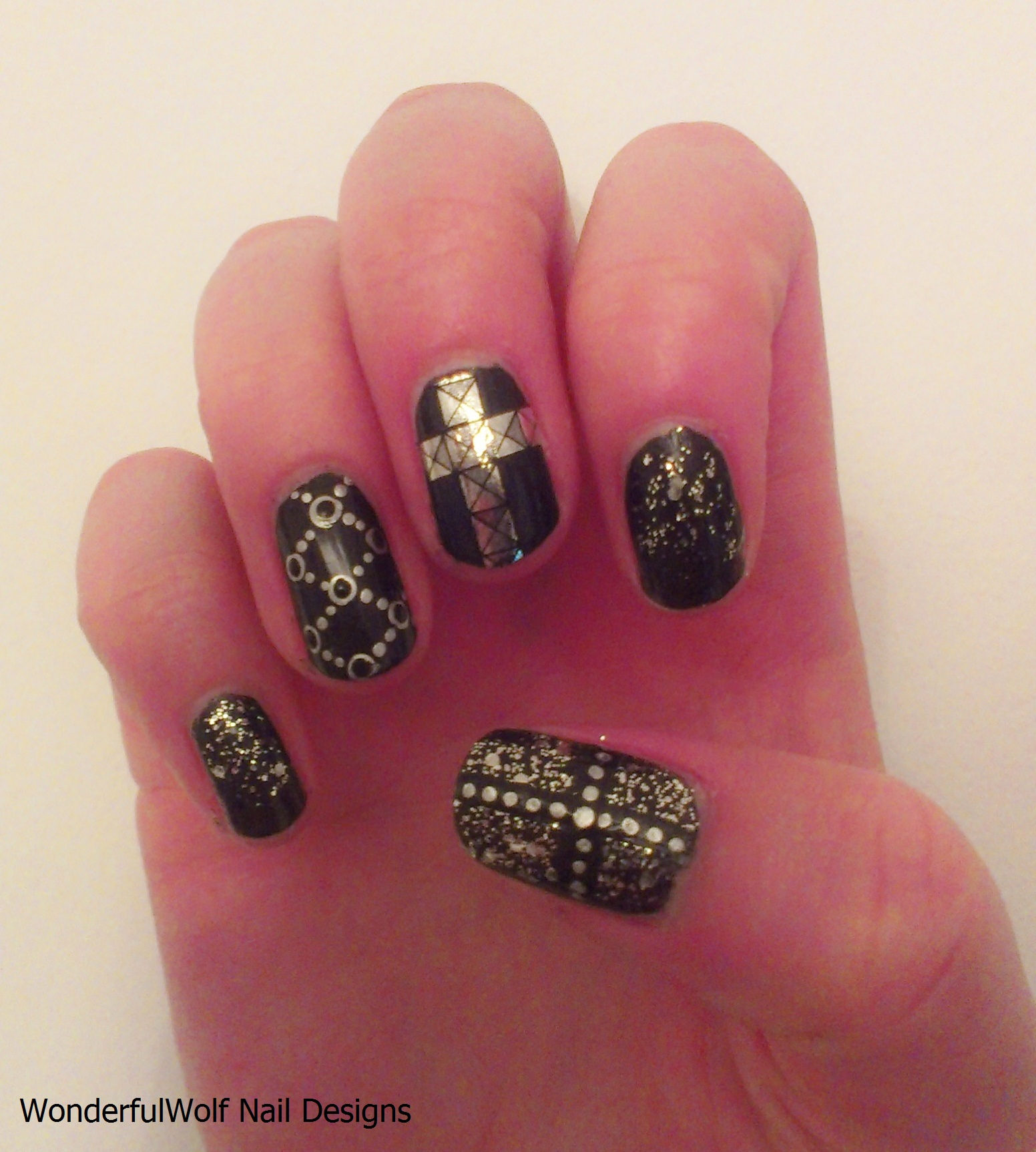 Cross Nail Art – Rock – WonderfulWolf