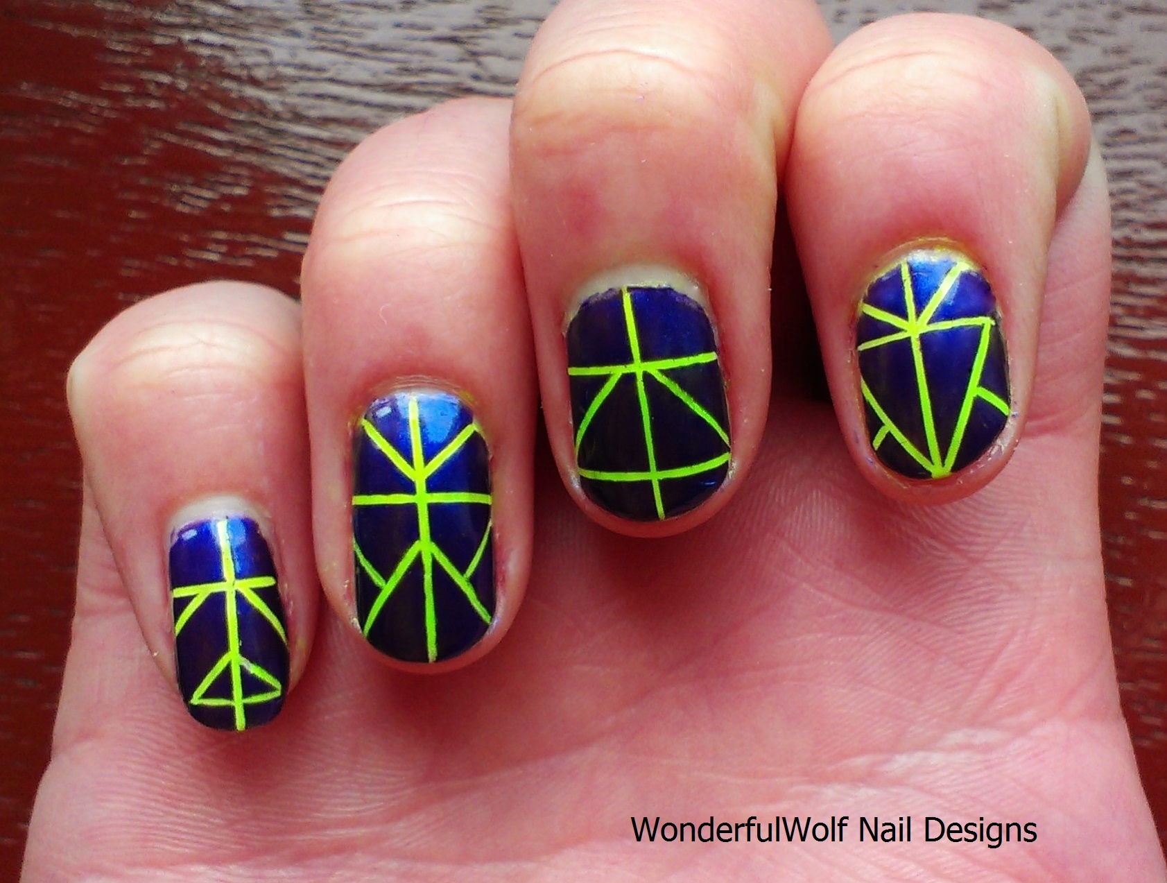 how to put designs on nails with tape