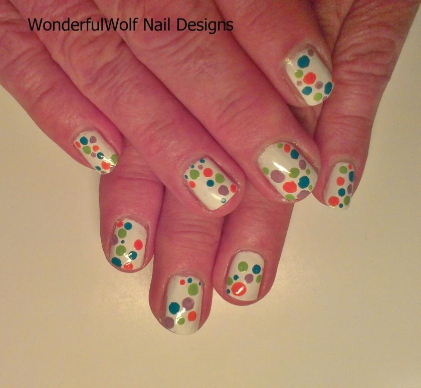 Holidotty Nail Art