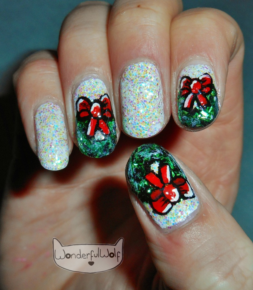 HollyWreathNailArt
