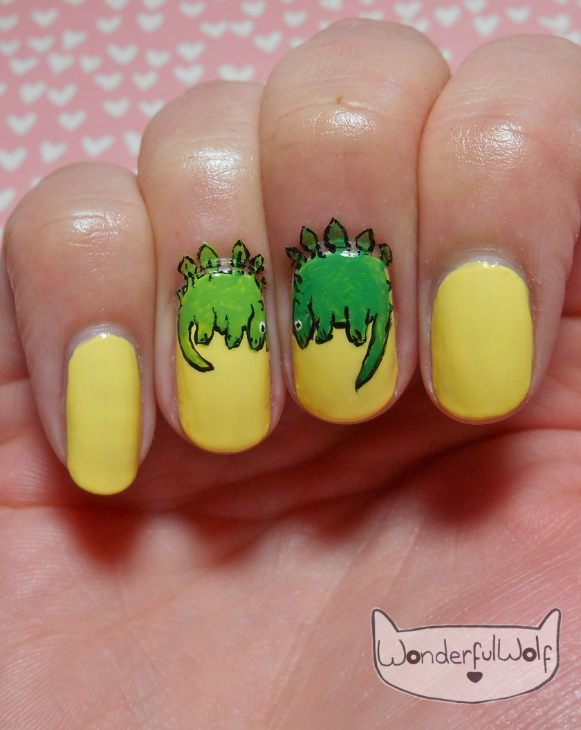 stegosaurus-nail-art