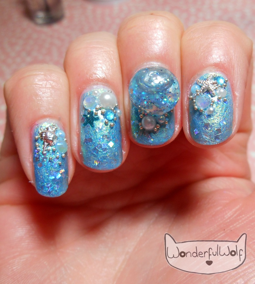 mermaid-water-globe-nail-art