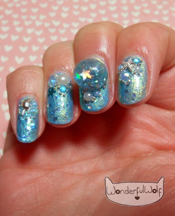 water-globe-nails