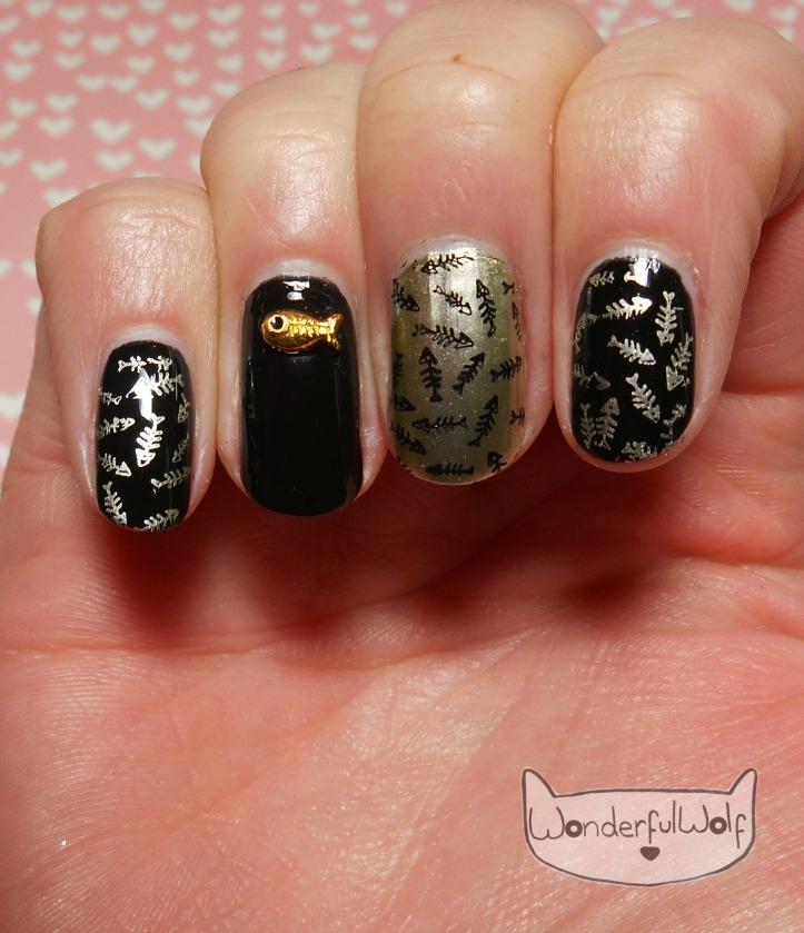 fish-charm-nail-art
