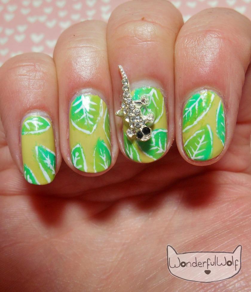 lizard-leaf-nail-art
