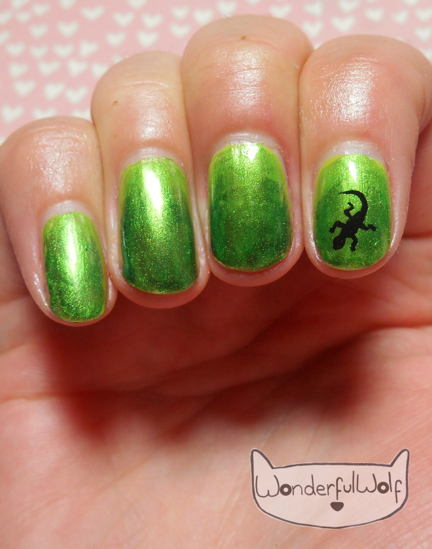 Lonely Lizard Nail Art.png