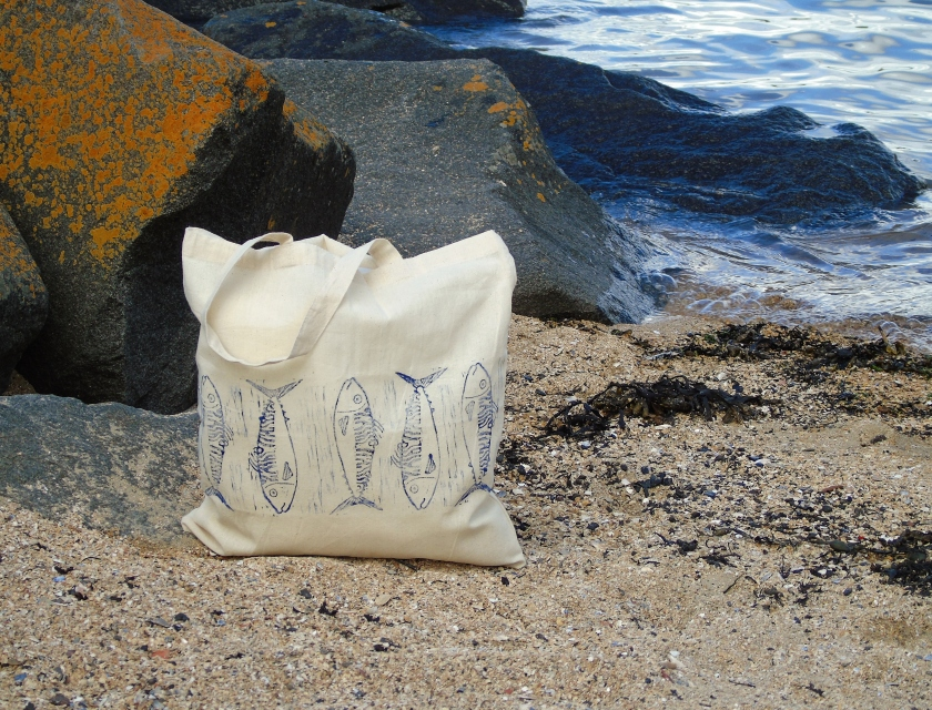Mackerel Tote Bag Beach.JPG